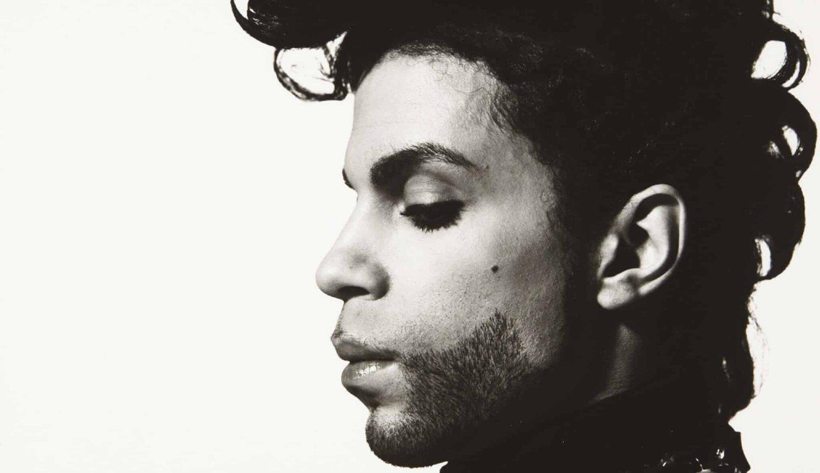 Álbuns de Prince serão relançados em Vinil e Cassete